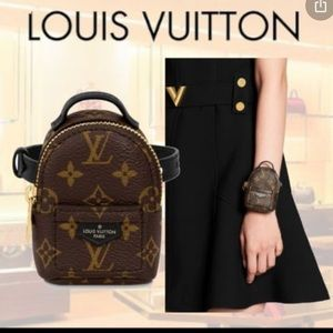 🎉🥳HP🥳🎉Louis Vuitton 2020 palm spring bracelet